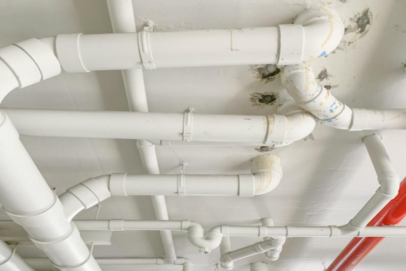 O desentupimento de colunas de esgoto é um importante serviço a ser realizado caso o sistema do seu condomínio necessite de atenção direcionada