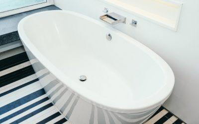 Como desentupir o ralo da banheira?